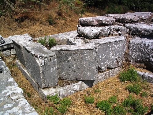 Sanctuary of Despoina at Lykosoura, Arkadia 71: cult-statue base