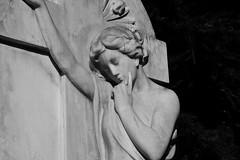 Coqueta (Lograi) Tags: barcelona blackandwhite bw sculpture espaa art byn blancoynegro graveyard statue geotagged blackwhite spain nikon arte cemetary cementerio catalonia bn escultura catalunya estatua catalua sabadell espanya nikond40 geoetiquetada