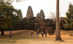 Mit dem Rad von Tempel zum Palast, weiter zu Tempeln.