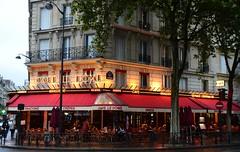 Paris - Street Caf (cnmark) Tags: street paris france rain scene avenuedelabourdonnais allrightsreserved cafledme