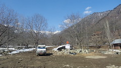Driving through Kashmir (Rckr88) Tags: india asia kashmir road roads nature mountainsnow snow mountains mountain