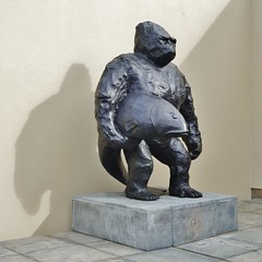 Gorilla with fish. (dlanor smada) Tags: nt chilterns waddesdon bucks sculptures gorillas denkmal windmillhill bronzes waddesdonmanor rothschild angusfairhurst