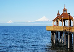 - taken by my daughter... (authorized) (Ruby Ferreira ) Tags: pier puertovaras vulcoosorno per osornovolcano lagollanquiue llanquiuelake chilecl