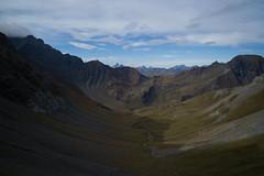 Look Back to Foopass (Toni_V) Tags: autumn alps schweiz europe suisse hiking 28mm herbst rangefinder alpen svizzera glarus wanderung m9 2014 unescowelterbe svizra glarnerland elmaritm foopass messsucher switzerladn foostock sardona 141012 ©toniv leicam9 tektonikarena l1018997 elmfoopassheubützlipassheidelpassschwendi muotätal foostöckli chlischiben grossischiben