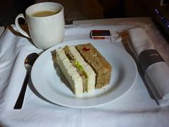 201409001 BA262 RUH-LHR snack (taigatrommelchen) Tags: food airplane inflight business snack meal britishairways baw b747400 flyingmeals gcivv ruhlhr ba262 20140936