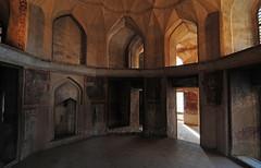 Hasht Behesht Palace (Sinan Doan) Tags: hashtbeheshtpalace esfahan iran nikon isfahan asia architecture iranian persian  iranphotos