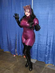 BelleChere as Catwoman (FranMoff) Tags: costume cosplay catwoman bellechere 2014 costumer rhodeislandcomiccon ricomiccon