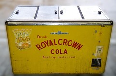 RC Cooler - Kelv2 (us301Retro) Tags: vendingmachine soda ideal vendo rc sodapop royalcrowncola rccola kelvinator chestcooler truemfg quikold