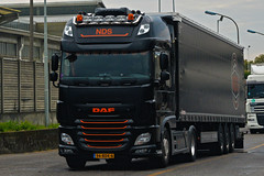 Daf XF106 NDS (Samuele Trevisanello) Tags: daf xf106 nds transporte holland nl transport dafxf e6 euro6 hollandstyle style italy hollanditaly express power paccar fotobyst truck trucks truckspotting truckmeeting veicolo allaperto camion bruno villa nikon black orange d3200