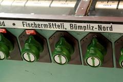 Stellwerk Bern Weyermannshaus 1 ( VES Vereinigte Eisenbahn - Signalwerke - Blockwerk Berlin Siemensstadt - Baujahr 1932 - Sicherungsanlage ) des Gterbahnhof Bern Weyermannshaus bei Bern im Kanton Bern der Schweiz (chrchr_75) Tags: albumzzz201611november christoph hurni chriguhurni chrchr75 chriguhurnibluemailch november 2016 stellwerk bern weyermannshaus ves vereinigte eisenbahn signalwerke blockwerk berlin siemensstadt baujahr 1932 sicherungsanlage