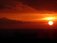 balcorama all'alba (fotomie2009 OFF) Tags: alba dawn sunrise sole sun clouds nuvole balcorama red sea mare