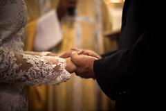 hand in hand (Edwin M. Glez) Tags: wedding hochzeit boda espsos vestido manos hands hnde kriche iglesia church dress suit anzug hombre mujer novios canon 600d 50mm t3i