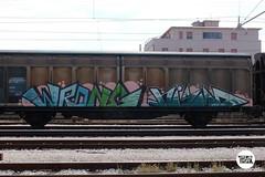#stolenstuff #graffitiblog #check4stolen #flickr4stolen #freight #wrong #nismo #2md #fr8 #graffiti #graffititrain #instagraff (stolenstuff) Tags: instagram stolenstuff graffiti graffititrain benching