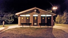 Les Douches  Outlet River Campground. 2016-08-23 22:36.38 (Sandbanks Pro) Tags: sandbanksprovincialpark sandbanks outletriver ontario canada parcprovincial provincialpark campground camping douche shower batiment comfortstation architecture nature paysage touristique vacance holiday t summer eau water