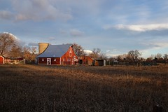 Morning Colors (Let Ideas Compete) Tags: barn farm rural bucolic rustic redbarn silo