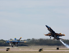 Blue Angel's 5 & 6 (corkspotter / Paul Daly) Tags: add tags beta blue angels 1 2 fa18 ellington kefd efd wings over houston 2016 angel 5 6