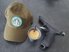 G17 (Nicolas FYH) Tags: magpul filet austria trb hogue blackhawk casquette cap caf coffee gerber blade knife guns weapon arm pistol pistolet military france
