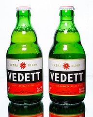 Dos cervezas por favor! (SLX_Image) Tags: 7dwf bier cervezas two dos vedette beer duvel moortgat belgium