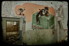 Cat and Mouse, Vogelsang, DE (Andr-DD) Tags: brandenburg germany deutschland vogelsang lost place places verlassen verfall old alt urbex urban exploring haus house empty leer lostplaces graffiti indoor
