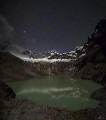 Volcn el Altar estelar. (Mr. CHILI) Tags: utdoor landscape mountain volcan vulcano night star estrellas panorama panoramic altar ecuador lagoon laguna noche alpinismo escalada