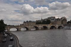 DSC_0874 Pont Neuf sur la Seine (David Barrio López) Tags: pontneuf riosena laseine rio river pont bridge puente paris laciudaddelaluz lavillelumière france francia nikon d90 nikkor18200mm 18200mm davidbarriolópez davidbarrio afsdxnikkor18200mmf3556gedvrii nikond90