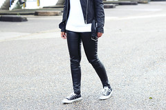 Leather-on-leather-street-style-outfit (www.shoutouttoyou.com) Tags: inspiration monochrome fashion outfit sneakers converse simplicity minimalist zara leatherjacket allstars leathertrousers leatherpants streetstyle whitesweater casualchic fedorahat classicoutfit blackwhiteoutfit goosecraft
