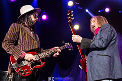 Tom Petty and Mike Campbell (Jim Brock Photography) Tags: concertphotography rockphotography tompetty gibsonsg theforum theheartbreakers mikecampbell jimbrockphotography eyeonthemusic