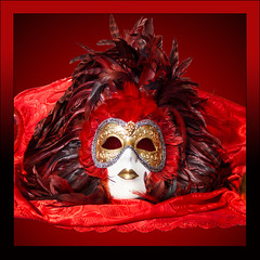 Mask in red (Ciao Anita!) Tags: carnival venice italy italia mask ve carnaval carnevale venezia unescoworldheritage burano maschera italië veneto masker venetië bellitalia theperfectphotographer rotrossorougerood unescowerelderfgoedlijst unescopatrimoniodellumanità
