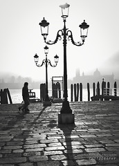 Lampioni veneziani (Andrea Rapisarda) Tags: venice urban blackandwhite bw italy monochrome fog nikon italia shadows bn ombre backlit lamps nebbia venezia lampioni biancoenero d800 bienne ©allrightsreserved controsole nikon2470mmf28