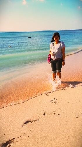 Sister in tablolong beach