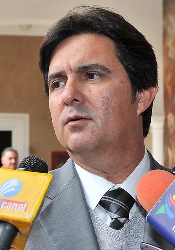 El Gobernador Guillermo Padrés acompañado de su Gabinete Legal, habló sobre la Contribución Al Fortalecimiento Municipal (COMUN).
