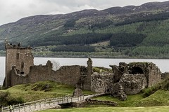 Urquhart castle (Isabel Orjuela / absolutaMente) Tags: england london photography scotland edinburgh europa europe escocia tours edimburgo lochness scotish escocs fotografiadigital isabelorjuela fotografiadigitalengland