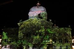 Rendezvous Bundesplatz 2014 => Zeitreise im Paradies am Bundeshaus in der Stadt - Altstadt Bern im Kanton Bern in der Schweiz (chrchr_75) Tags: show city oktober by night schweiz switzerland suisse suiza nacht swiss hauptstadt ciudad unesco stadt sua bern bundeshaus christoph  svizzera altstadt berne nuit schweizer notte ville stad rendezvous sveits citt berna sviss 2014 zwitserland sveitsi  suissa  welterbe bundesplatz chrigu bundesstadt szwajcaria 1410 lichtshow  kantonbern brn chrchr hurni chrchr75 chriguhurni  stadtbern zhringerstadt albumstadtbern meinbern chriguhurnibluemailch hurni141025 oktober2014 albumstadtbernnacht