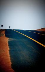 Desert road (Socheat Rea 1998) Tags: middleeast vereinigtearabischeemirate miratsarabesunis emiratiarabiuniti   losemiratosrabesunidos