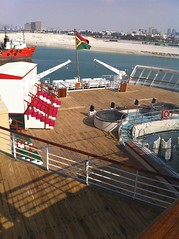 QE2 in Dubai 2011 (Louis De Sousa) Tags: qe2 dubai dry docks port vila rashid legend cunard dock nakheel dp world queenelizabeth2 portrashid dpworld