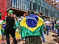 Pacific protests against corruption at Paulista Avenue in So Paulo - Brasil (Roberto Sant'Anna) Tags: brazil brasil paulo sao protests rbsantanna