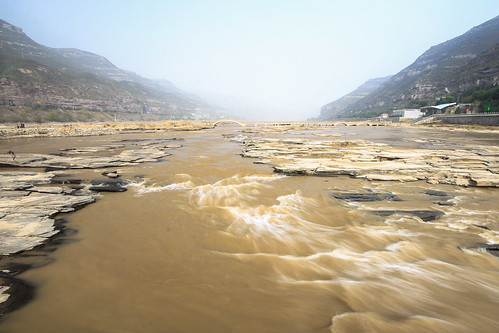 HUKOU WATERFALL-4