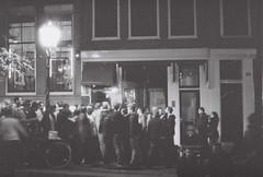 Quartier rouge - Amsterdam (100mifa) Tags: voyage trip travel bw amsterdam photography noiretblanc pentax prostitute redlightdistrict pute quartierrouge 100mifa p30x