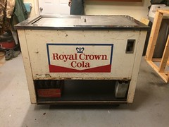RC Cooler - Quikold1 (us301Retro) Tags: vendingmachine soda ideal vendo rc sodapop royalcrowncola rccola kelvinator nehi chestcooler truemfg quikold