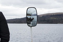 Secret (lolomoreno720) Tags: boat barco espejo mirror streetphotography street photo photography girl tia lookin mirando loch lomond calle callejero foto fotografia mujer