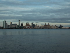 Liverpool, United Kingdom (Shaun Smith-Milne) Tags: threegraces skyline liverbuildings immeuble tour river fleuve mersey merseyside liverpool