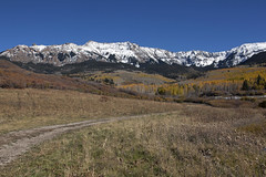 Last Dollar Road Panorama (Jeff Mitton) Tags: landscape mountains aspen fall autumn fallcolors autumncolors lastdollarroad sanjuanrange mtsneffelswilderness colorado wondersofnature earthnaturelife
