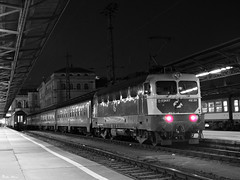 Mv Start 432 291 (boti_marton) Tags: mv mvstart 432 class432 v43 ganz szili fecske train locomotive transport publictransport travel bw blackwhite trainstation city cityscape budapest keletiplyaudvar magyarorszg hungary europa panasonic dmc lz20 lumix