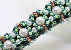 Althea (BeeJang - Piratchada) Tags: beadweaving beadwork beading beaded superduo pearl swarovski jewelry handmade green blue turquoise hair accessories barrette