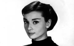 Audrey-Hepburn-Portrait-Everything Audrey (5) (EverythingAudrey) Tags: audreyhepburn audrey hepburn