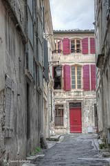 Carrer d'Arles (quico_g) Tags: 2013 arles france provence canon carrer quicog street talleretfoto