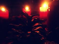 I say a little prayer for you (Bambola 2012) Tags: europe europa hrvatska croatia croazia zagreb zagabria xmas christmas božić natale advent avvento došašće vijenac wreath ghirlanda candles candele svijeće svjetlo luce light pine cone pinecone pigna winter zima inverno christianity cristianesimo kršćanstvo katoličanstvo cattolicesimo catholicism prayer preghiera molitva god dio bog