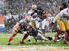 A snowy touchdown (Q Win) Tags: december winter snow soldierfield american football nfl sanfrancisco sanfran chicago 49ers bears