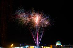 Spontanes mächtiges Badabum ^^ (montagestaender) Tags: firework feuerwerk dark dunkel nacht night nophotoshop sanktwendel saarland colors farben light licht pentaxkx pentax kx