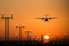 Sunset landing 2 (Nigel Valentine) Tags: manchester airport sunset plane airplane aviation